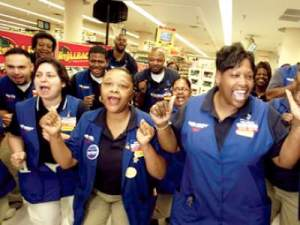 walmart-employs-1-of-america-should-it-be-forced-to-pay-its-employees-more
